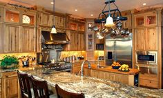 Western Style Kitchen Decor - Western Kitchen Decor Ideas – Home . Western Style, Home Design, Design Ideas, Rustic Hickory Cabinets, Western Kitchen Decor, Country Decor, Home Themes, Cocinas Kitchen, Western Homes