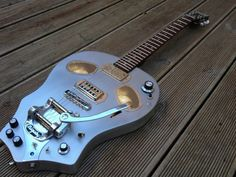 Yodelice custom skull guitare by meloduende