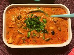 """Grymt god och krämig kycklinggryta gjort på """"ingenting"""" - Irakisk mat Food Trends, Sous Vide, Thai Red Curry, Food And Drink, Health Fitness, Chicken, Baking, Fruit, Eat"""