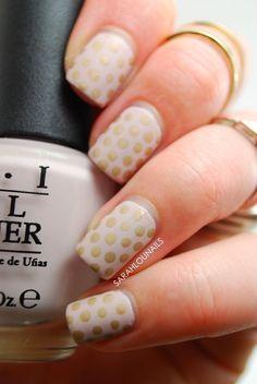 Sarah Lou Nails: Polka Dot Matte Nails!
