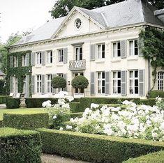 Modern Exterior, Exterior Design, Garden Design, House Design, Facade House, House Goals, My Dream Home, Curb Appeal, Future House