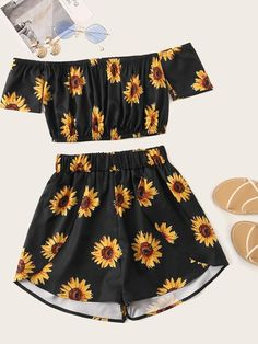 Black Floral Print Crop Top With Shorts Source by cutespree outfit Cute Lazy Outfits, Teenage Girl Outfits, Crop Top Outfits, Teenager Outfits, Outfits For Teens, Pretty Outfits, Stylish Outfits, Dresses For Teenage Girls, Summer Outfits