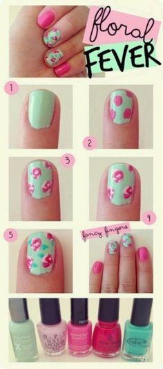 難しそうに見える小花柄ネイル、意外と簡単にできるって知ってた??  ①ベースカラーを塗ります。 ②ピンクのマニキュアでランダムに丸を描きます。 ③白のマニキュアで②の周り、中心をざっくり囲んでいきます。 ④②より濃いピンクで花に影を付けます。 ⑤緑のマニキュアで葉を描いて完成!
