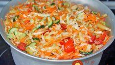 Vynikajúci kapustový šalát do chladničky: Netreba sterilizovať a chutí fantasticky – odporúčam zdvojnásobiť dávku! Russian Recipes, Superfoods, Thai Red Curry, Salad Recipes, Cabbage, Food And Drink, Easy Meals, Yummy Food, Homemade