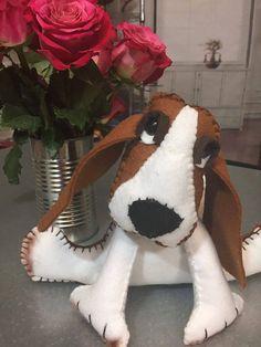Felt Basset Hound Dog Felt Portrait Felt dog by CreativeNeuron Basset Hound Dog, Felt Dogs, Dog Sculpture, Felt Crafts, Dinosaur Stuffed Animal, Portrait, Handmade Gifts, Etsy, Kid Craft Gifts