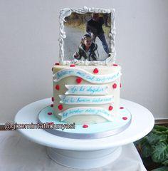 (@gizemintatlidunyasi): Baba Kız Pastası ❤️ #dadanddaughter #babakız #şekerhamursuzpasta Pasta Cake, Cupcake, Cupcake Cakes, Cup Cakes, Teacup Cake