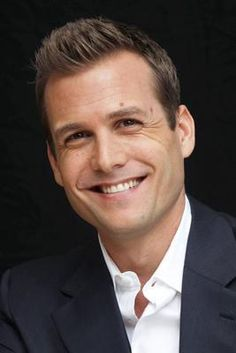 Gabriel Macht Actor, Suits (as Harvey Specter) ガブリエル・マクト 俳優 スーツ Harvey Specter Haircut, Harvey Specter Anzüge, Trajes Harvey Specter, Serie Suits, Suits Tv Series, Suits Tv Shows, Gabriel Macht, Suits Harvey, Herren Outfit