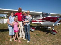 Доверие целой семьи- ответственное дело, и Cessna-150 справилась с этим достойно- полет принес восторг всем- от мала до велИка! Хотите полетать ? #Cessna150 , #poletnaotlichno , #flyingaplane , #полет , #gift , #полетвподарок, #Russian, #aviation