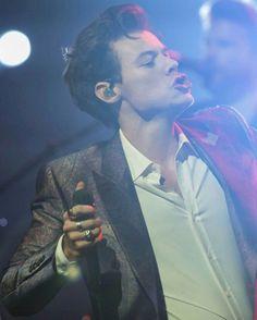Harry Performing at Aria Awards Sydney November 28, 2017