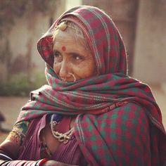 #Delhi #inde #india #agra #jaipur #rajasthan #voyage #travel #indienne #textile #joie #love #happy #belle #beautiful #girl #couleur #paie #peace