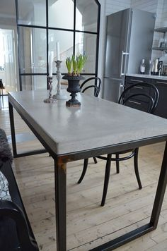 Top Modern Industrial Dining Furniture Set Design and Decorating Ideas - Page 18 of 26 Concrete Dining Table, Concrete Furniture, Dining Table Design, Dining Room Table, Console Table, Furniture Sets Design, Dining Furniture Sets, Table Beton, Industrial Dining