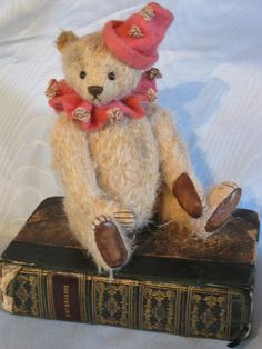 Clarabel 6 Inches - The Old Post Office Bears