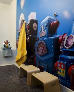 Manhattan-Children-Bath-Room-WithRobot-Wall-Mural-Felicitas-Oefelein