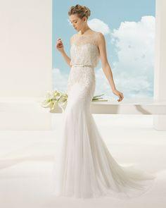 VALENCIA vestido de novia en tul sedoso y pedrería .