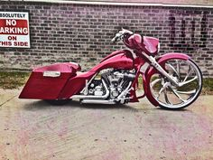 """Camtech with a beautiful Street Glide showcasing the first 30"""" MAD Wheels  2D wheel. The Digger"""