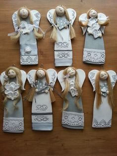 Put inmn a hole before baking Clay Ornaments, Angel Ornaments, Salt Dough Ornaments, Clay Projects, Clay Crafts, Diy And Crafts, Christmas Makes, Christmas Angels, Christmas Ornaments