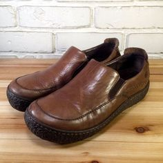 BORN Women's Shoes ~ Brown Leather Textured Sole Comfort Loafers  ~ US 8.5 M / W #Born #LoafersMoccasins