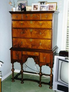 Antique Furniture Styles   American Antique Furniture Styles: Who Do They  Really Belong To?