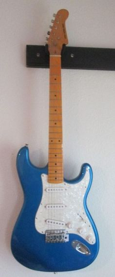 New York Pro Electric Guitar Strat Metal Flake Blue #NewYorkPro