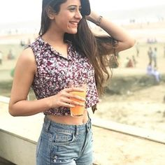 Hiba nawab actress beauty image gallery cute and hot and bollywood item Indian model unseen latest very beautiful and sexy wedding selfie na. Whatsapp Dp Girls, Hiba Nawab, Girls Dp Stylish, Teenage Girl Photography, Saree Trends, Goth Beauty, Indian Models, Cute Photos, Images Photos
