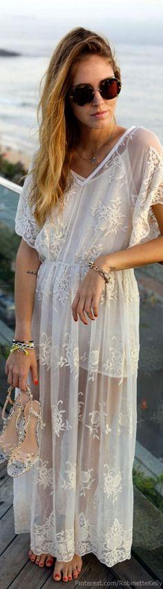 white lace dress via The Blonde Salad Estilo Fashion, Boho Fashion, Ideias Fashion, Fashion Beauty, Fashion Women, Bohemian Mode, Bohemian Style, Boho Chic, White Bohemian