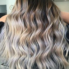 Brighter days ahead! Color by @hairbysavannahjess  #hair #hairenvy #hairstyles #haircolor #bronde #ombre #balayage #highlights #newandnow #inspiration #maneinterest