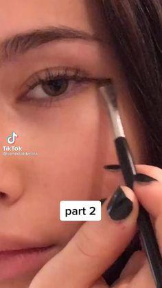 Indie Makeup, Edgy Makeup, Makeup Eye Looks, Grunge Makeup, Eye Makeup Art, Cute Makeup, Skin Makeup, Makeup Tutorial Eyeliner, Makeup Looks Tutorial