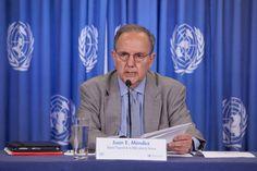 MÉXICO, D.F., (proceso.com.mx).- Juan Méndez, relator especial de la ONU sobre la tortura y otros tratos o penas crueles, inhumanos y degradantes, desmintió al gobierno mexicano e insistió que en e...