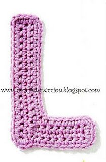 Letters - in spanish, but with chart Crochet Alphabet, Crochet Letters, Free Baby Shower Printables, Applique Patterns, Loom Weaving, Crochet Basics, Learn To Crochet, Yarn Needle, Knitting Stitches