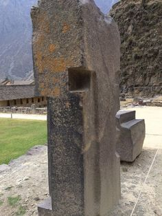 Ollantaytambo is without a doubt one of the most amazing places on Earth. Shrouded in mystery, experts are unable to explain how ancient cultures built this megalithic site thousands of… Aliens And Ufos, Ancient Aliens, Ancient History, Ancient Mysteries, Ancient Artifacts, Peru Image, Amazing Places On Earth, Rock Sculpture, Atlantis