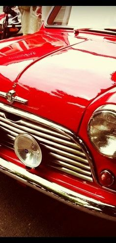 A classic red mini - a great car! Colors Of Fire, I See Red, Party Fiesta, Simply Red, Red Aesthetic, Shades Of Red, Ruby Red, Retro, My Favorite Color
