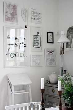 picture wall - black & white. Have a minimal colour scheme for papercuts.