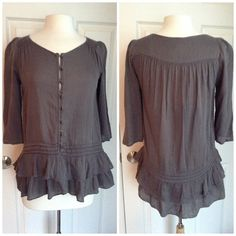 Anthropologie Edme & Esyllte top, size 2 Great used condition. Some pilling on fabric throughout. Fits like a small Anthropologie Tops