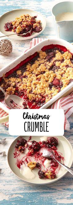 Der Christmas Crumble ist besonders in England und den USA beliebt, schnell gemacht und ein echtes Geschmackserlebnis.  Weihnachten Fest Dessert Kuchen Knusprig Beerig Crunchy Fruchtig Süß Lecker Warm Duft Vanille Cremig