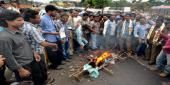 Transport employees strike hits life in Telangana, Andhra Read complete story click here http://www.thehansindia.com/posts/index/2015-05-06/Transport-employees-strike-hits-life-in-Telangana-Andhra--149232