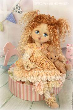 Купить Шарлотка с кроликом (резерв)  . Кукла авторская текстильная art doll - кремовый, розовый, розы