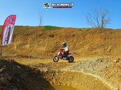 Mini Motocross mit Mietausrüstung und Mietmotorrad