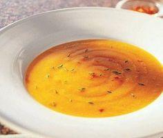 Die sop is baie eenvoudig. 1 lekker groot butternut, geskil en blokkies opgesny 1 groot uit opgekap 3 knoffeltoontjies 6 el botter 1 bakkie maaskaas 3 blokkies aftreksel (hoender of groente) 3 kopp… Butternut Squash Bisque Recipe, Butternut Squash Chili, Pumpkin Squash, Wine Recipes, Great Recipes, Soup Recipes, Recipe Ideas, Favorite Recipes, Amazing Recipes