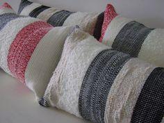 Almohadones hechos artesanalmente en telar