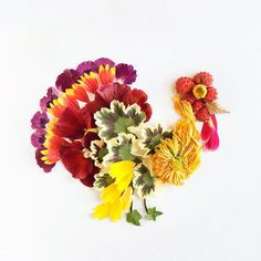 Artist Uses Foraged Flowers, Leaves, Seeds To Make Lovely Natural Compositions - DesignTAXI.com