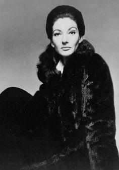 Maria Callas 1970 mujer que llevo a nuevas cuotas el Bel Canto, con interpretaciones en algunos papeles dramáticos, que la hicierón pasar a la história de la Música