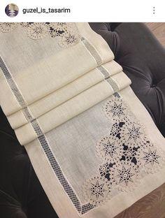 Crochet Tablecloth Pattern, Crochet Doilies, Crochet Patterns, Patchwork Table Runner, Christmas Pillow, Bargello, Cutwork, Crochet Home, Filet Crochet