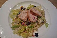 Crobb Salat mit Avocado, Speck, Cranberries und Hühnchenstreifen (Rezept mit Bild) | Chefkoch.de