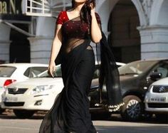 Plain Georgette Saree, Pure Silk Sarees, Black Saree, Black Bride, Sari Fabric, Saree Styles, Saree Blouse Designs, Beautiful Saree, Saree Wedding