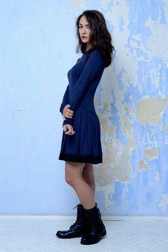 Tmavě modré šaty se vsadkam II