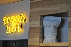 There's just something about neon signs. Wouldn't this be adorbz in a kitchen or breakfast nook?