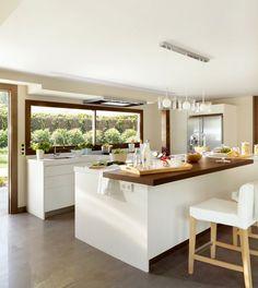 Una cocina amplia y luminosa                                                                                                                                                                                 Más