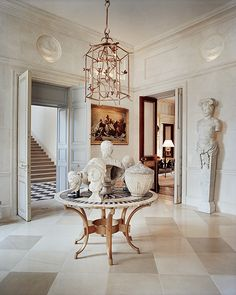 François Catroux stands as a top French interior designer that displays settings with the most amazing neutral and sophisticated tones. He transforms a standard room into a warm, rich, and exquisite room, that perfectly fits his interior design identity. Architectural Digest, French Interior, Best Interior, Room Interior, Decoration Inspiration, Interior Inspiration, Interior Ideas, Decor Ideas, Interior Exterior