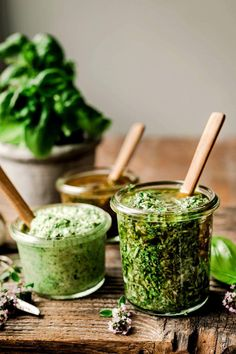 Vegan Blogs, Vegetarian Recipes, Delicious Recipes, Creamy Pesto Pasta, Green Pesto, Butter Pasta, Vegan Yogurt, Fennel Salad, Alkaline Foods