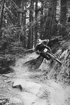 As a beginner mountain cyclist, it is quite natural for you to get a bit overloaded with all the mtb devices that you see in a bike shop or shop. There are numerous types of mountain bike accessori… Mtb Bike, Cycling Bikes, Dirt Bike Helmets, Mountain Bike Clothing, Harley Davidson, Mountain Biking Women, Hardtail Mountain Bike, Cool Bike Accessories, Clothing Accessories